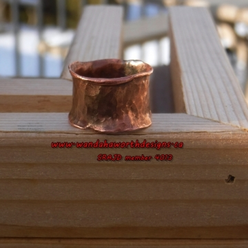 Solid forged copper ribbon ring